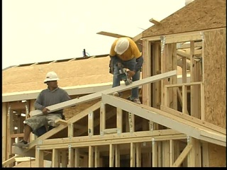 ARIZONA GOES AGAINST THE TREND IN HOME CONSTRUCTION