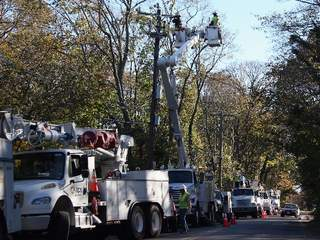 Arizona_utility_workers_in_New_York_20121106094905_JPG