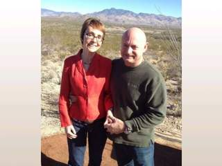 Gabrielle_Giffords_and_Mark_Kelly_20130112100429_JPG