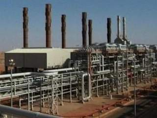 Gas_plant_in_Algeria_20130117073305_JPG