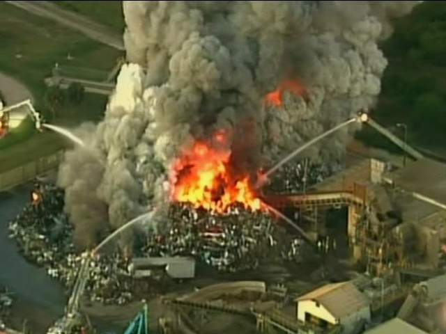 Industrial_fire_in_Florida__20130218053709_JPG