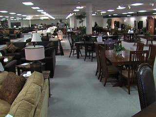KNXV_RoomStore_clearance_center_20130219153209_JPG
