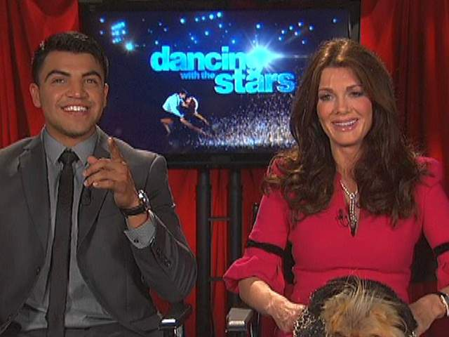 Victor_Ortiz_and_Lisa_Vanderpump_20130315080349_JPG
