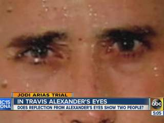 he can see people in Travis Alexander's eye reflection before killing