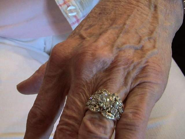 50 year old wedding ring lost then returned to owner - Old Wedding Rings