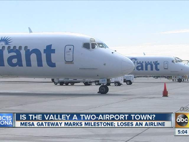 What airlines fly from Phoenix-Mesa Gateway Airport?