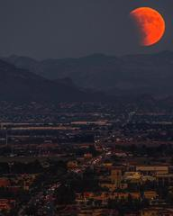 PHOTOS: Rare super blood moon over Phoenix