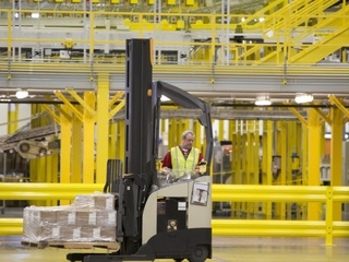 Amazon to hire thousands of PHX seasonal workers