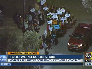 Protests held outside US Foods in west Phoenix