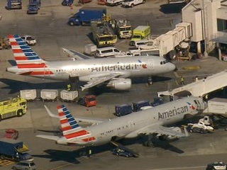 Mechanical issue diverts PHX-bound flight to LAX