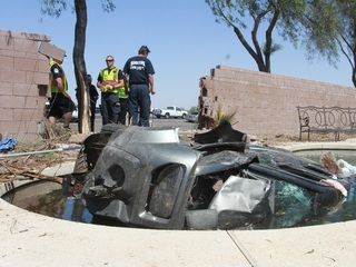 Car crashes into Maricopa pool, driver dead