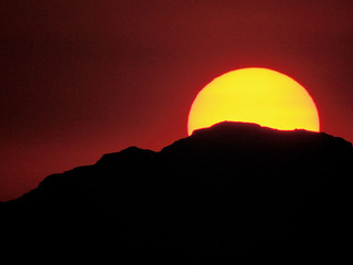 BREAKDOWN: 100-degree temps hit the Valley early