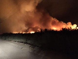 900-acre wildfire burning east of Yuma