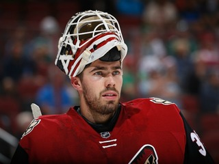 STAYING: Coyotes re-sign goalie Louis Domingue