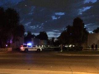 PD: Suspect loose after man shot in Glendale