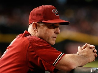 Report: D-backs considering manager change