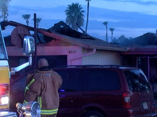 Visually impaired family escapes Glendale fire