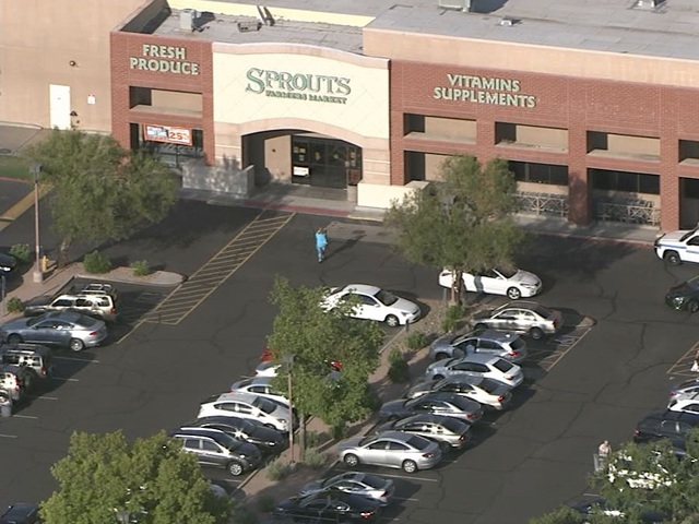 PD: Suspect dead in shooting at Scottsdale lot
