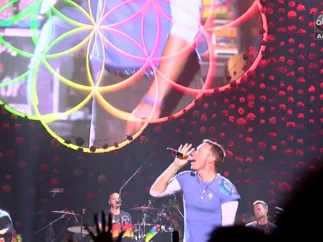 Behind the scenes at Coldplay - ABC15 Digital