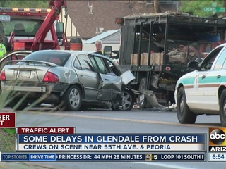 PD: 3 people transported after Glendale crash