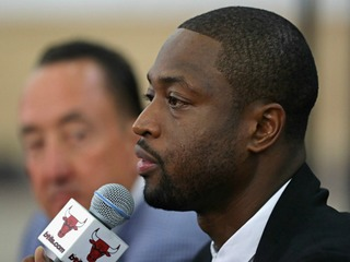 Dwyane Wade's cousin shot while pushing stroller