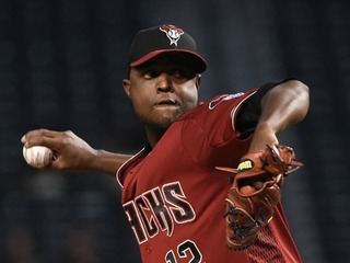 D-backs pitcher to repair injury with stem cells