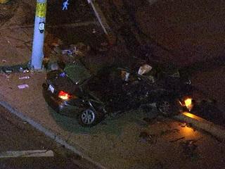 PD: Glendale car crash kills 2 teens