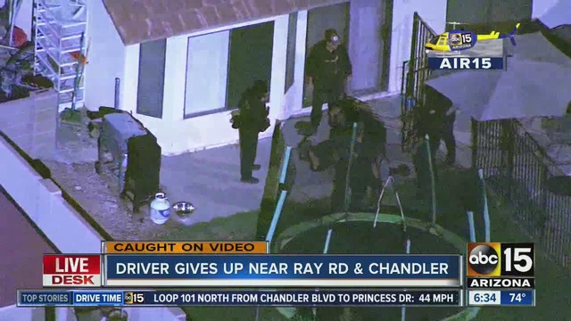 Suspect goes through Arizona In-N-Out drive-thru during police chase