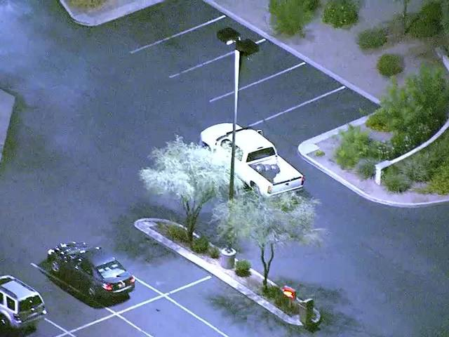 VIDEO: Phoenix PD helicopter follows suspect through Valley