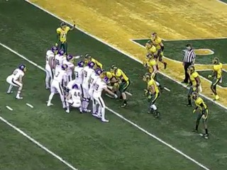 WATCH: College team scores on bizarre trick play