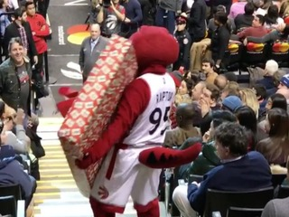 Real or staged? NBA mascot drops TV won by fan
