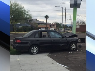 PD: Child killed after car crashes into PHX pole