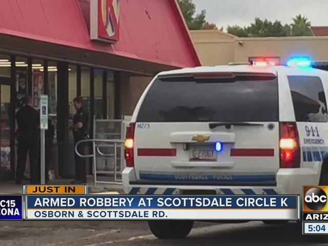 Knife-wielding man robs Scottsdale Circle K