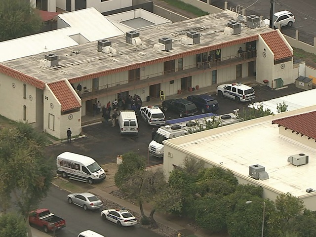 Search warrants served on possible PHX slumlord