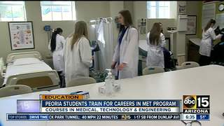 Peoria students get hands-on look at careers