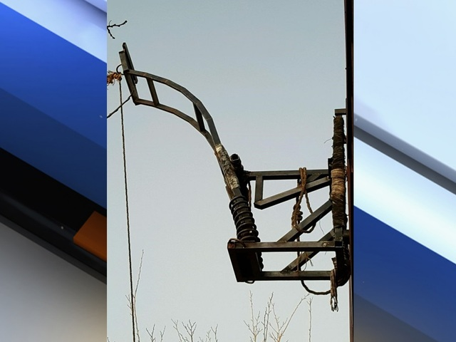 Drug catapult found attached to Mexican side of USA  border fence