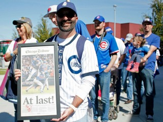 PHOTOS: Best fans we found at Chicago Cubs rally