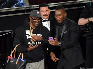 LOL! Kimmel brings Hollywood tour to Oscars