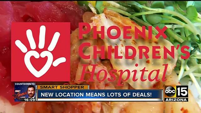 What features does the website of ABC15 Smart Shopper offer?