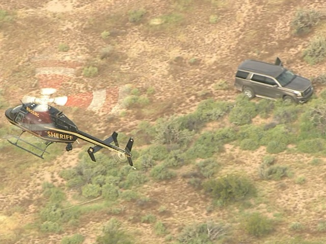 Suspect shot by deputies in west Valley desert