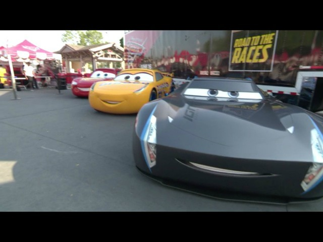 Cars Road To Races Tour Visits Phoenix Lightning Mcqueen To