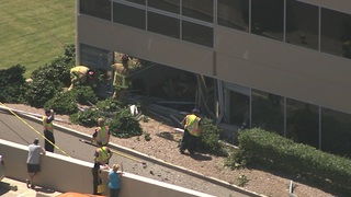 Car crashes into building in Scottsdale