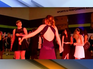 Online students attend prom in the Valley