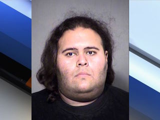 PD: Armed man threatens police at PHX Comicon