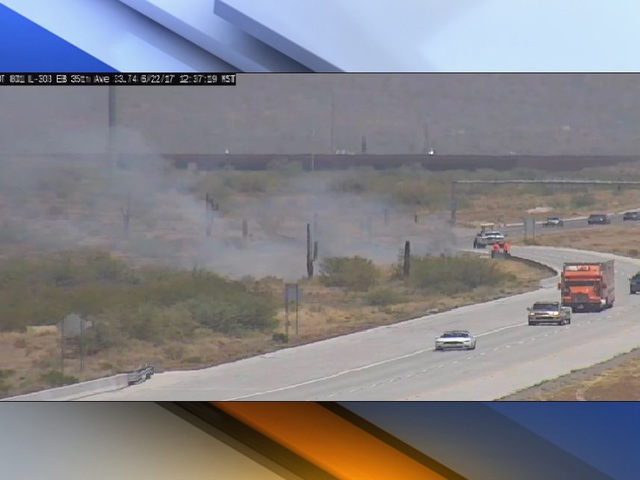 3 acre brush fire spreading 'rapidly' in Phoenix