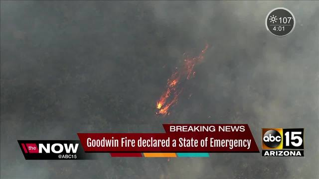 Firefighters slow Arizona wildfire, allowing some residents to return