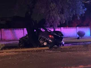 FD: 1 dead, 2 hospitalized after N. PHX crash