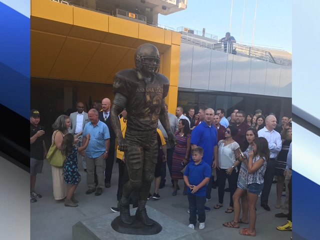 Arizona State to honor late Pat Tillman with statue