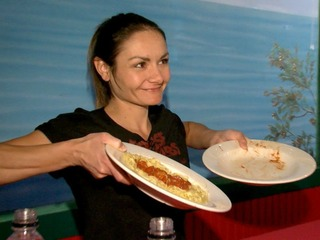AZ competitive eater attempts pasta record
