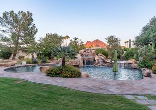 Ex-Suns coach Jeff Hornacek selling Valley home